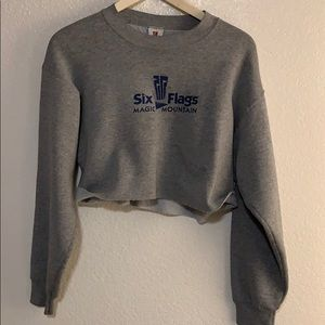 Cropped six flags magic mountain pull sweater